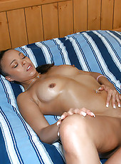 Slammin black babe getts down poolside and catches a cumbath