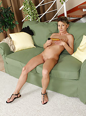 Petite 45 year old Syndi Bell from AllOver30 toying her mature box
