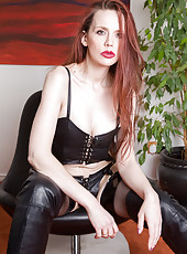 Hairy pussied 30 year old Mystique explores her snatch with digits