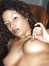 Hot amateur ebony GF spreading her legs