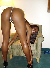 Sexy ebony showing off her juicy ass