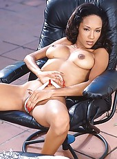 Stunning chocolate sweetie stripping and getting nasty