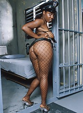 Horny cop nails her well hung prisoner in his cell