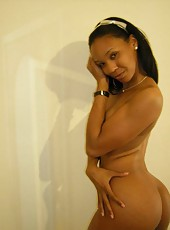 Picture gallery of sexy ebony hotties