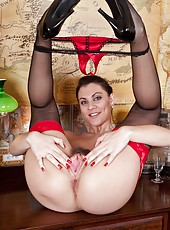 Roxy Mendez is a dirty secretary who is ready to seduce her boss with her red lingerie and sexy stockings. Once she