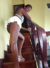 What could be better than a sexy girl cleaning the stairs in a mini skirt and a polka dot bra? How about a hairy one! After she finishes dusting Sunita might spread her legs for a hairy peak.