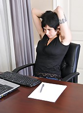 Luna has had enough of work, and starts to work her natural hairy assets instead! Watch as she mounts the desk and waves her perfectly formed hairy ass and pussy in the air.