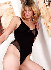 Meet Charlotte at the staircase and enjoy her cute little furry lips and curvacious body.