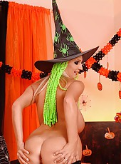 Hot busty costumed babe dildoing