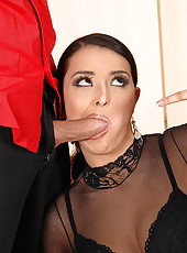 Juliana gives Candy blowjob lessons