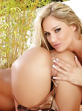 Busty pornstars, Tyler Faith and Savannah Stern get together for a sexy shoot. Tylef gets so eager to get her naked so she can lick Savannah