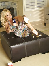 See sexy busty blonde, Rachel Aziani, having fun and sharing some of her favorite behind the scenes photos with her members!