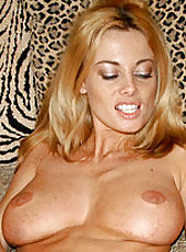 Movies of hot blonde milf getting done by the hunter