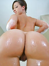 Beautiful hot smoking big ass jada stevens gets fucked hard in her amazing ass in these wet shower ass fucking screaming pics