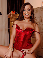 Hot babe dresses up for Halloween