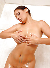 Sexy Aria Giovanni takes a shower