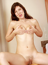 Watch 32 year old Valentine as she clips and shaves her furry box