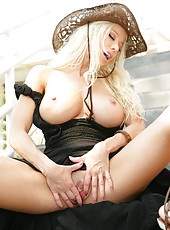 Gina Lynn strips out of clothes