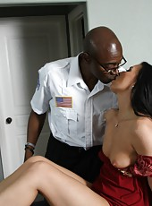 Sexy mature pornstar Honey White in hot interracial sex with medical worker