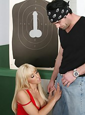 "Blonde milf temptress Jessica Lynn got delicious ""gun"" today and takes it in her holes"