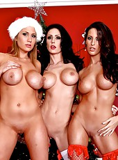 Unforgettable Christmas with three lesbians Alanah Rae, Jessica Jaymes and Kortney Kane