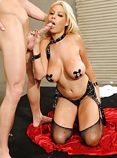 Hardcore blonde milf with huge breast Bridgette B got a powerful fuck
