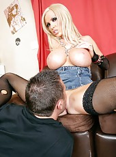 Gorgeous blonde rock star Nikki Benz got a fresh cumshot on her big nipples