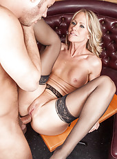 Charming and horny blonde milf Simone Sonay tastes cum after anal penetration
