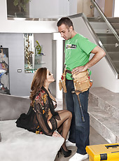 Fantastical milf Francesca Le gets facialized after voluptuous action