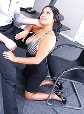 Naive whore Sophia Lomeli enjoying a big cock and waiting for a cumshot