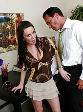 Creamy-skinned whore RayVeness demonstrates a first-class titjob at office