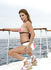Busty lesbian Austin Kincaid and her friends made a hot orgy on the yacht