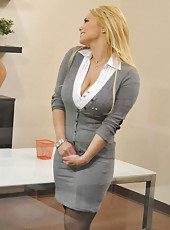 Passionate and horny blonde milf Shyla Stylez starts out with a great blowjob