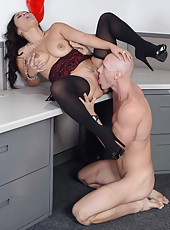 Busty and chubby Asian milf Jessica Bangkok sucks and gets fucked like a professional whore