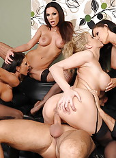 Jenna Presley, Jessica Jaymes, Julia Ann and Kirsten Price got one big cock in the office