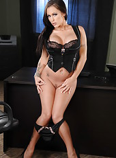 Appetizing milf in sexy lingerie Jenna Presley surprises with her giant tits and hot hips