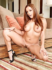 Marvellous babe Francesca Le spreading her butt to show every part of sweet pussy