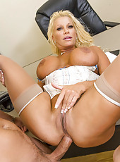 Hardcore mature blonde JR Carrington enjoys hardcore double penetration action