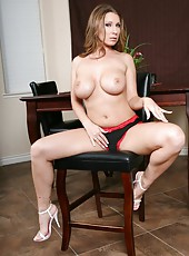 Delicious lady Devon Lee us happy to amaze us with her great ass and big boobs