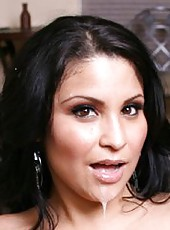 Great brunette milf Sophia Lomeli can not resist hot boyfriend and lets him to pound her pussy
