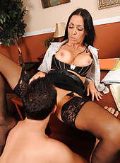 Gorgeous milf Vanilla Deville get her pussy licked and fucked before hot facial