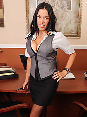 Dangerously hot brunette milf Vanilla Deville strips at her workplace today