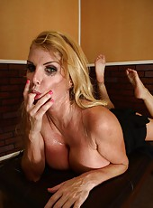 Wild and maddening mature blonde Taylor Wane fucks lucky boyfriend