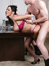 Hot babe Veronica Rayne undresses her pink panties for a crazy fuck
