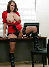 Hardcore action in which gentle bitch Brandy Talore undresses for you