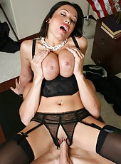 Incorruptible judge with huge boobs Sienna West achieves unforgettable orgasms at her workplace