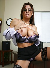 Perfect mature bombshell Devon Michaels amazes with her big tits in this amazing strip action