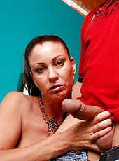 Naughty milf with huge ass and big tits Bailey Odare takes neighbour