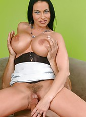 Black haired cougar with big tits and sexy eyes Harley Rain got an voluptuous fuck