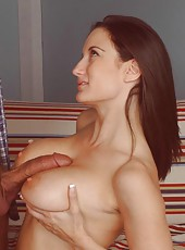 Gentle milf with sweet big tits Stephanie Wylde got sweet cumshot
